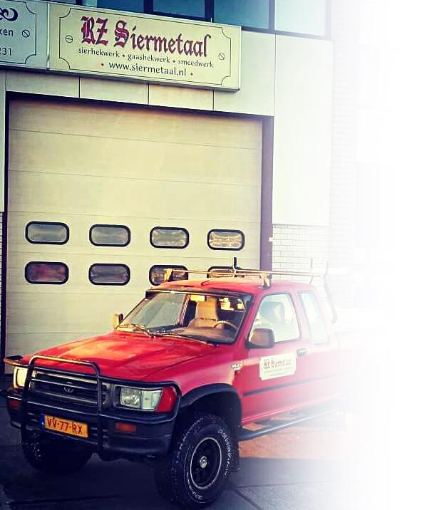 RZ-Siermetaal-auto De Lier